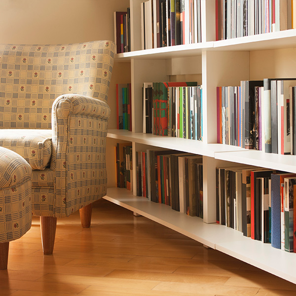 Organized Book Shelves   We Organize Florida - Professional Home, Office, and Retail Organizers in Southwest Florida